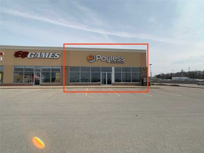 CORNER RETAIL UNIT FOR LEASE IN MIDLAND