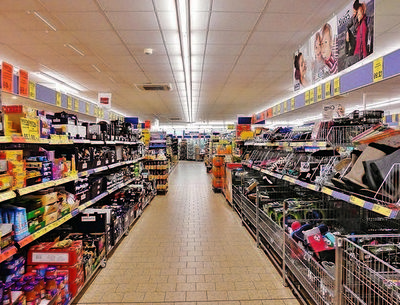 GROCERY STORE WITH LCBO, BEER STORE & 2 APARTMENTS FOR SALE