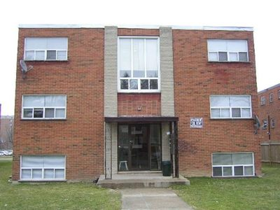 22 Plex Building for Sale -Prince Edward County