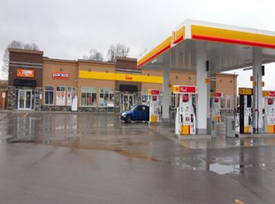 SHELL GAS WITH CONVENIENCE STORE AND PROPERTY FOR SALE