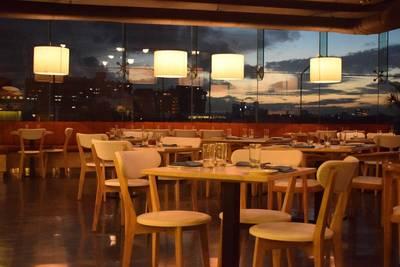 5 Plex + Restaurant for Sale - 1 hour from Mississauga/Brampton