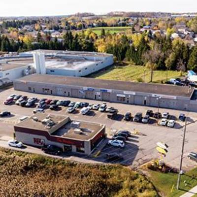 Warehouse for Lease in Automotive Plaza