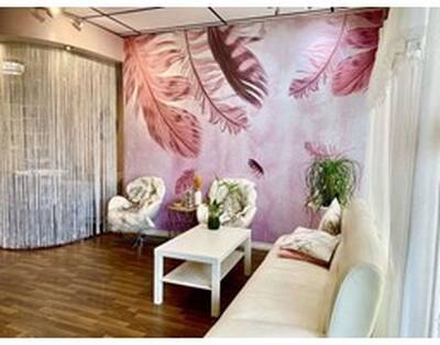 Established High Traffic Beauty Salon for Sale in Richmond, BC