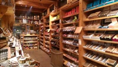 Great Location High Traffic Tobacco Shop for Sale in Okanagan, BC